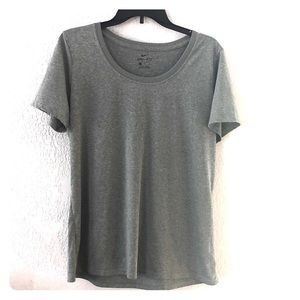 Nike dry fit Women's extra large T-shirt